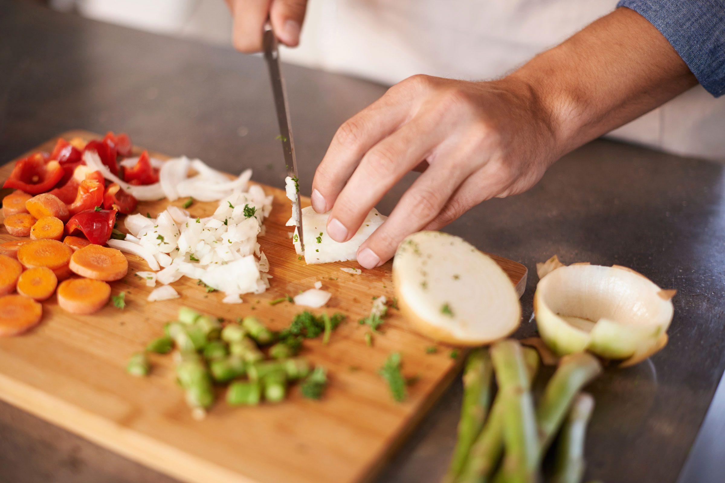Cuisiner en grande quantité permet d'économiser de l'argent.