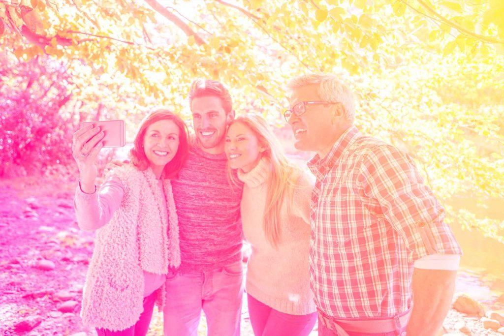 Votre amoureux et bon à marier: avoir envie de rencontrer vos parents est signe que c'est le bon partenaire.