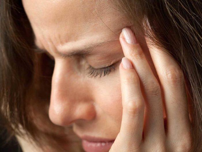 Apnée du sommeil et symptômes: Des maux de tête du matin peuvent indiquer une apnée du sommeil.