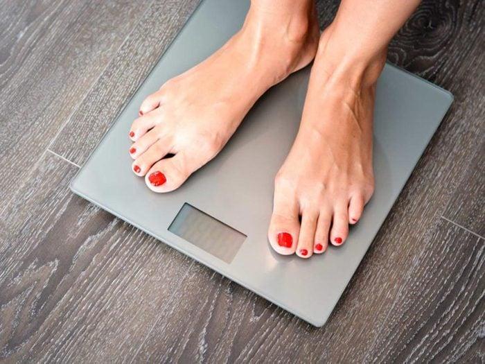 Symptôme de l'apnée du sommeil: Vous prenez du poids sans raison.