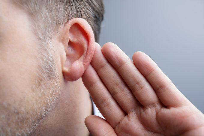 L'auriculothérapie, ou la thérapie par les oreilles, pour traiter des maladies.