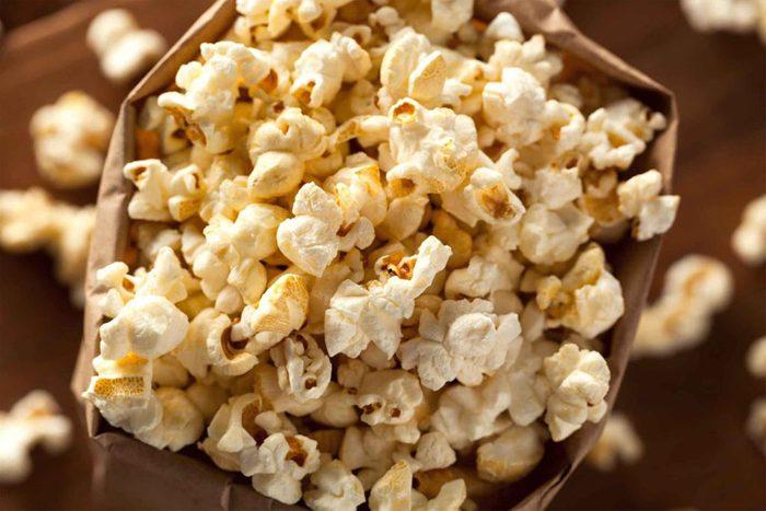 Une envie de maïs soufflé indique que votre corps a besoin de refaire ses réserves.