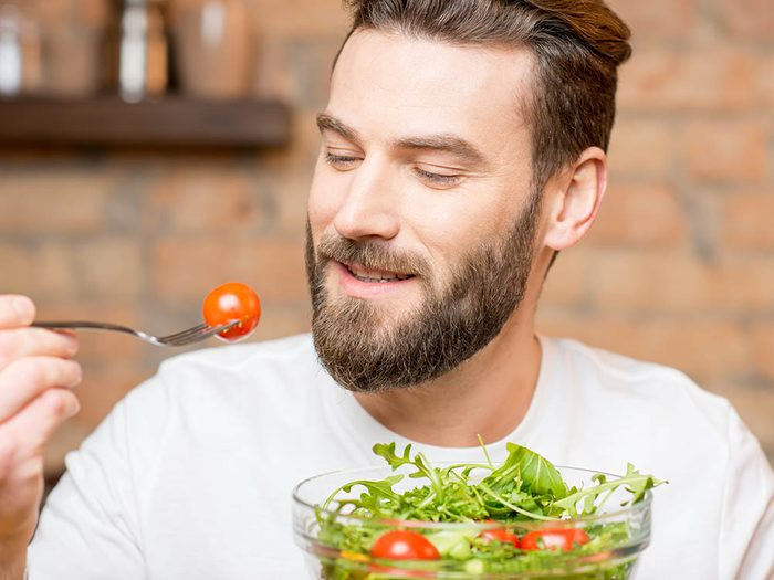 Une alimentation sans gluten contient souvent moins de produits transformés.