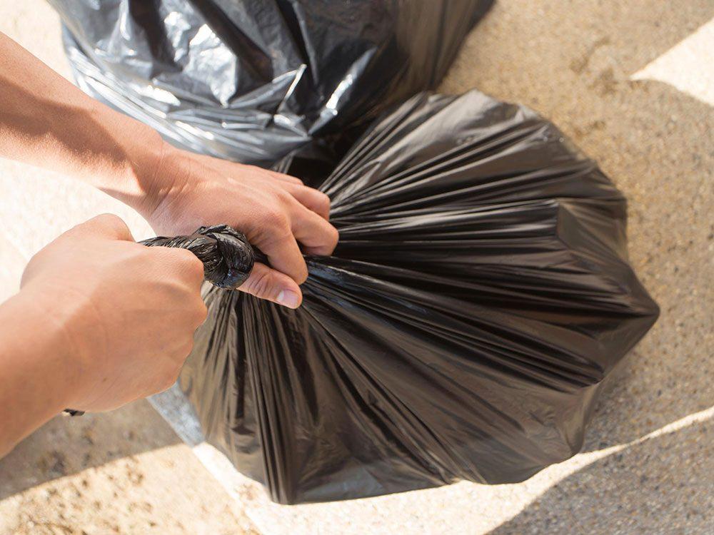 Soyez organisé et ramassez les déchets au fur et à mesure!