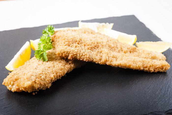 Des recettes à base de citron: un poisson pané au persil