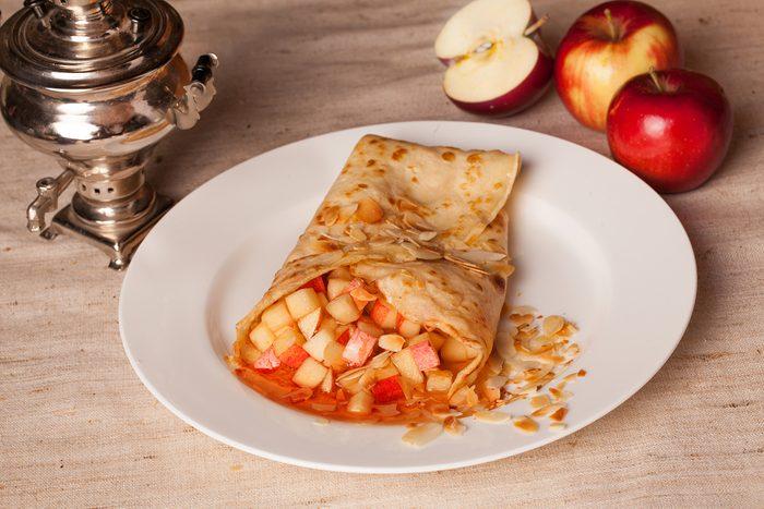 Une recette de crêpes aux pommes à la farine d'épeautre