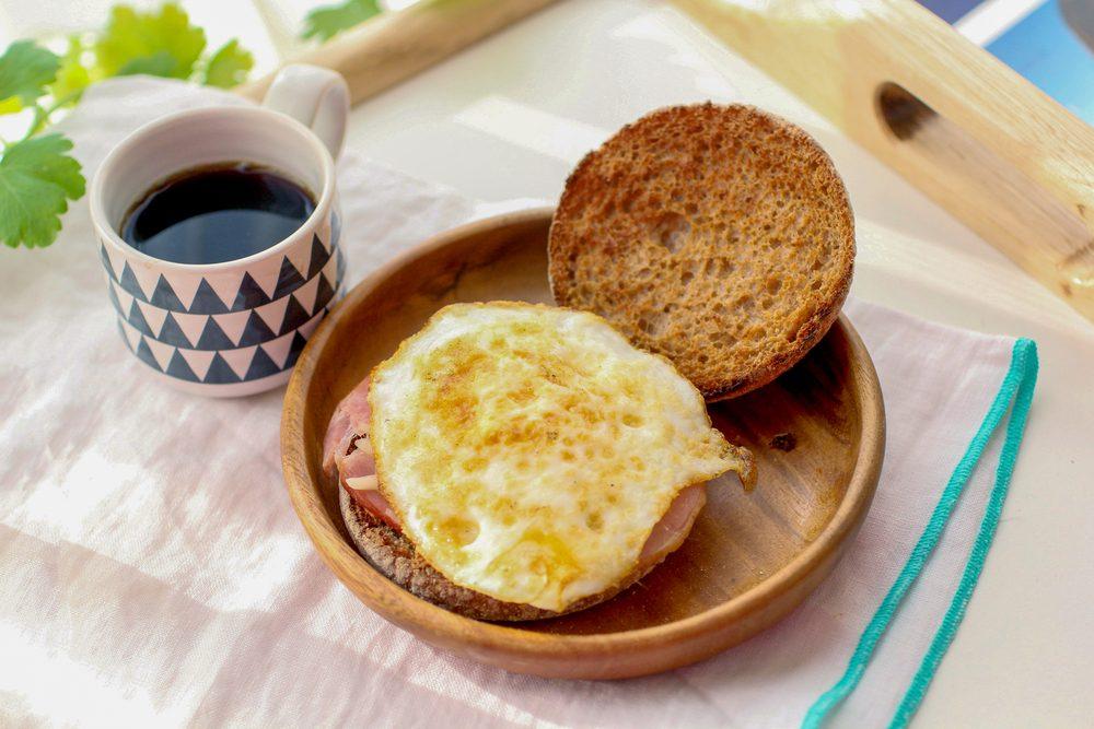 Une recette d'oeuf sur muffin anglais