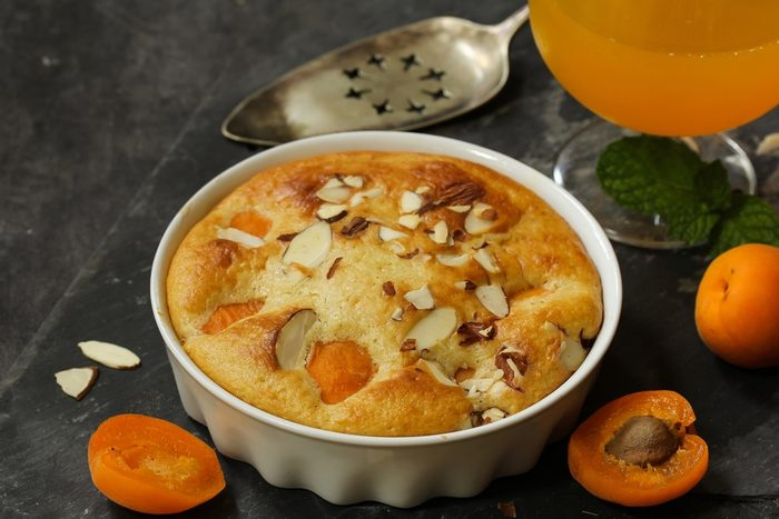 Un soufflé aux abricots faible en glucides