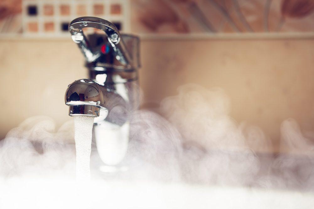 Pour économiser de l'argent, économisez l'eau chaude!