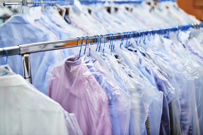 Économiser, les meilleurs trucs et astuces: Éliminez le nettoyage à sec.