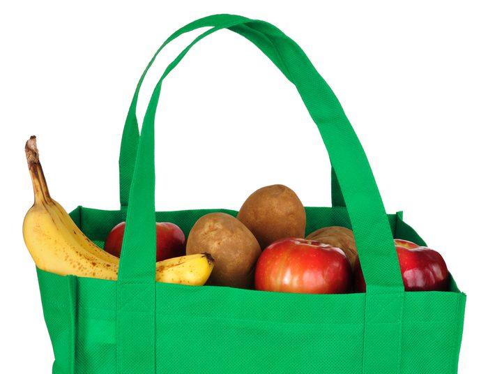 Les sacs d'épicerie réutilisables pour économiser,