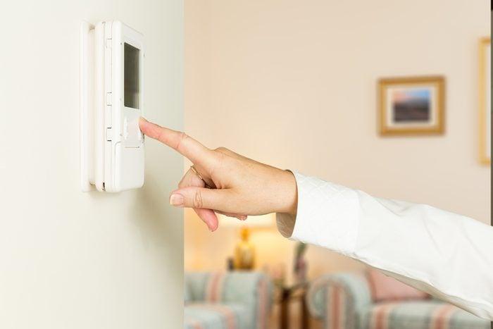 Un thermostat programmable pour économiser.