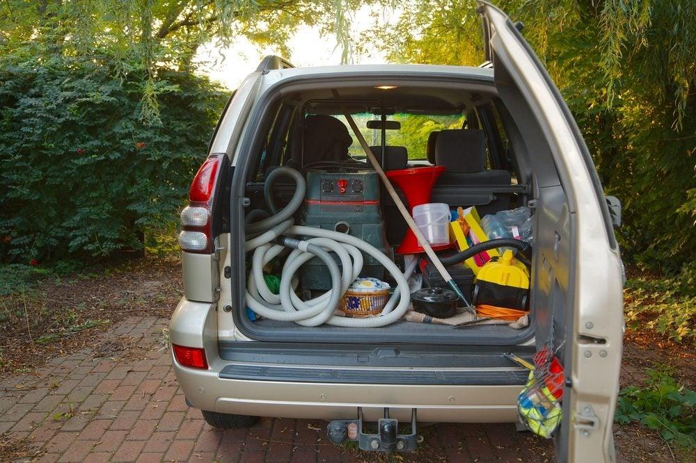 Videz le coffre de votre auto pour économiser!
