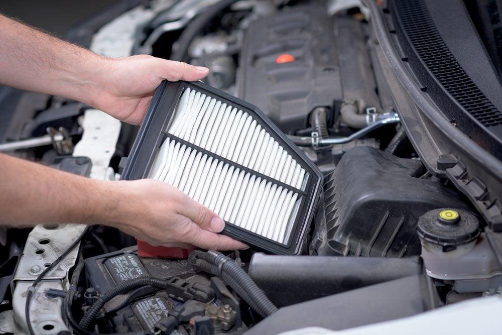 Économiser, les meilleurs trucs et astuces: changez votre filtre à air.