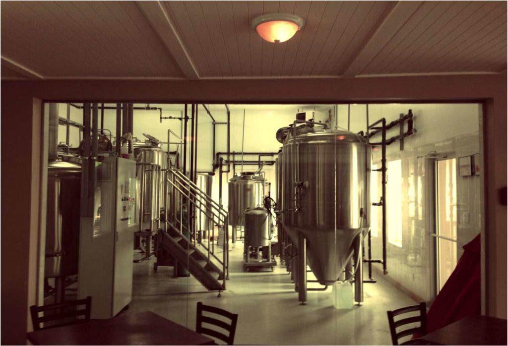 Route des vins : laissez-vous tenter par la microbrasserie Coaticook.