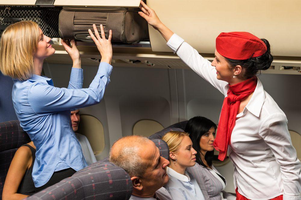 En cas d'accident d'avion, laissez les bagages dans la cabine.