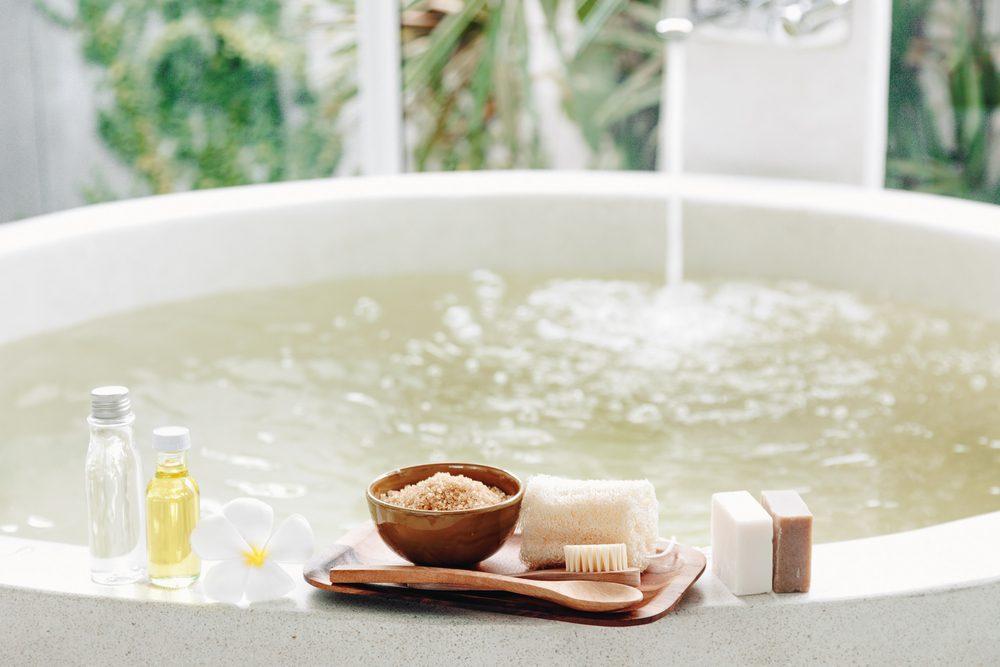 Un bain de vinaigre est aussi un bon moyen de chasser l'odeur de moufette.