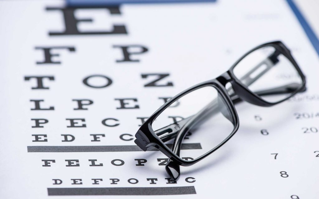 En examinant les yeux, on peut détecter la névrite optique – inflammation du nerf optique – peut être un signe avant-coureur de la sclérose en plaques.