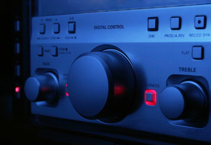 Débranchez les appareils électroniques pendant la nuit pour réduire votre consommation d'électricité.