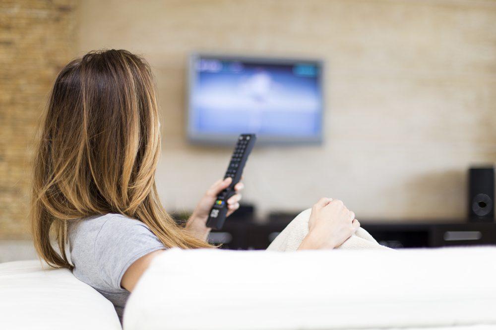 Réduisez votre forfait télé pour un abonnement de base en ajoutant des chaines à la carte pour économiser sur votre facture de câble.