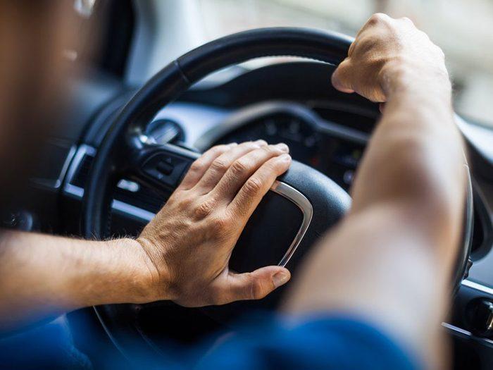 Accidents mortels: quand une voiture arrive de face sur votre voie.