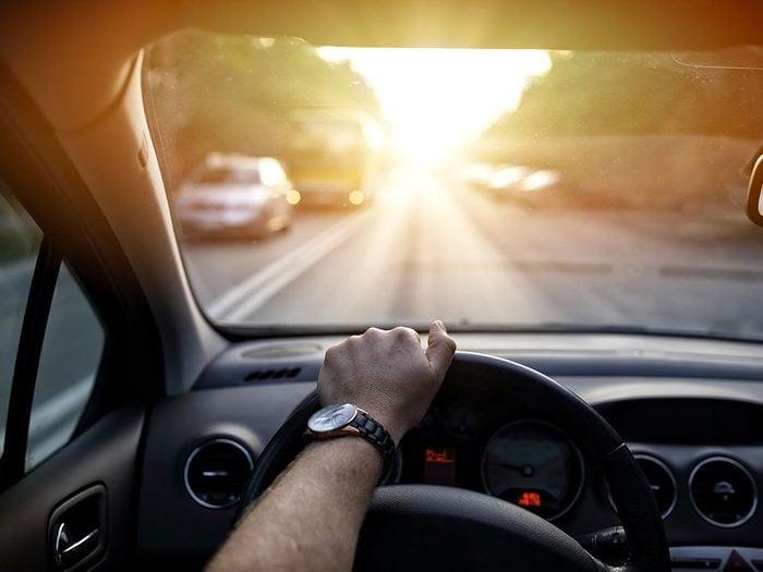 Accidents mortels: quand le soleil vous aveugle.