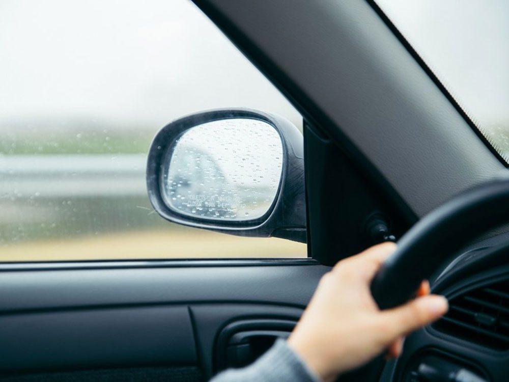 Accidents mortels: un autre véhicule vous talonne et sonconducteur semble agressif.