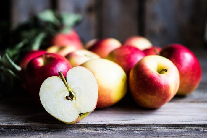 Aliments pour maigrir et favorisant la perte de poids: la pomme.