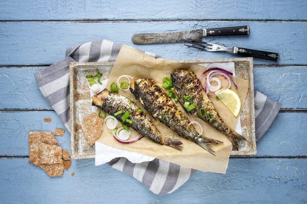 Aliments pour maigrir et favorisant la perte de poids: sardine et morue.
