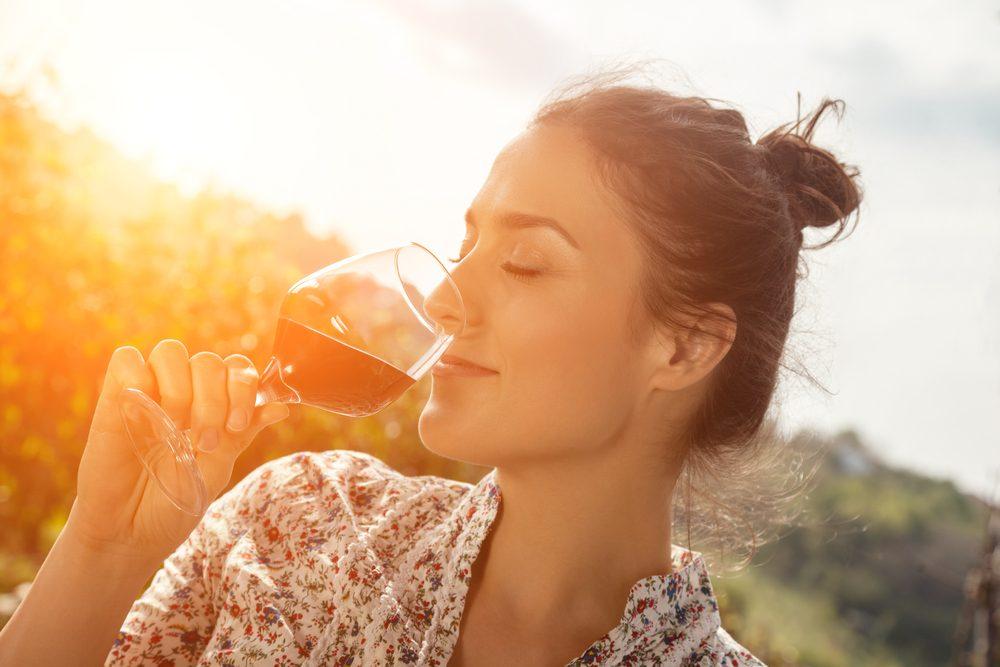 Aliments pour maigrir et favorisant la perte de poids: le vin rouge.