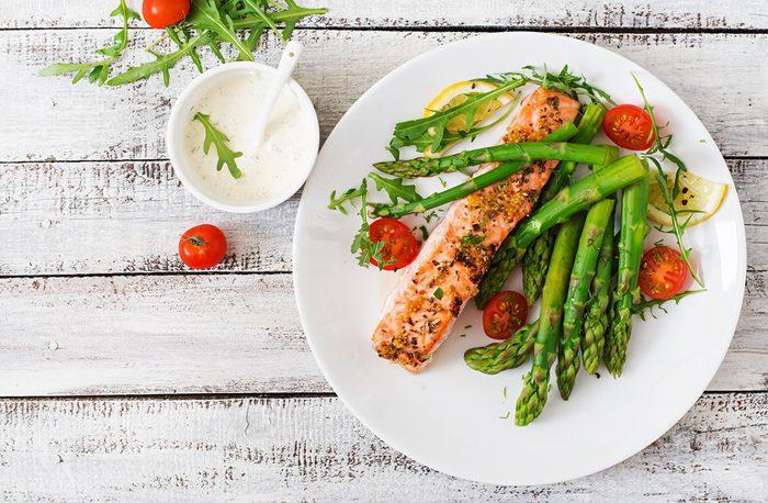 Aliments pour maigrir et favorisant la perte de poids: saumon.