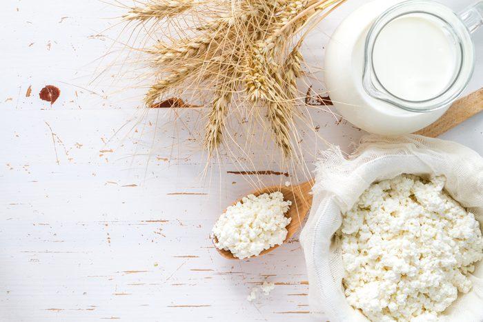 Aliments pour maigrir et favorisant la perte de poids: produits laitiers faibles en gras.