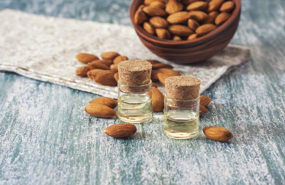 Les huiles naturelles sont des bons produits et cosmétiques naturels pour le visage.