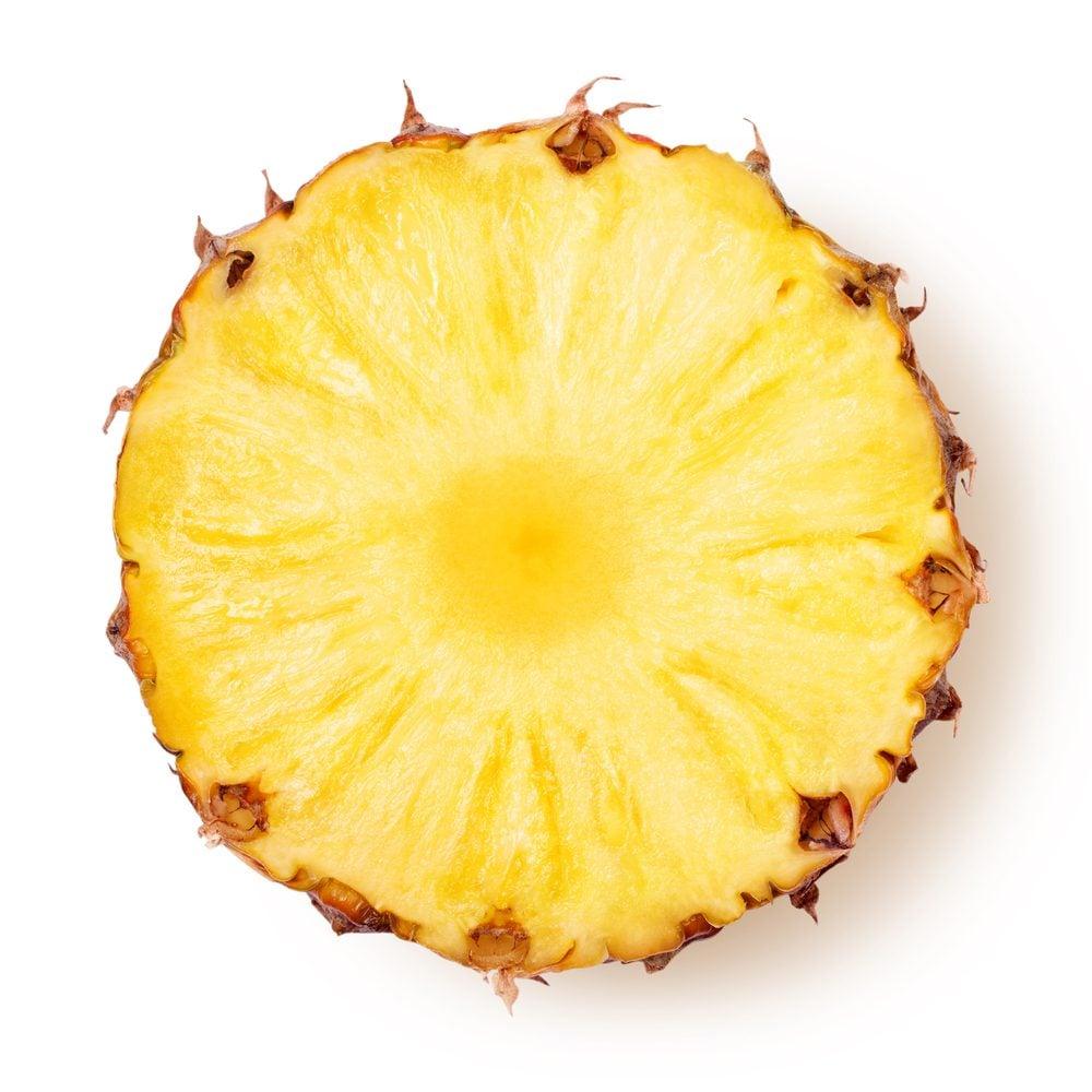 Ananas: bienfaits et vertus d'un fruit riche en vitamine C.