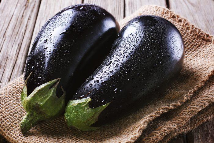 L'aubergine est assez peu nutritive, mais comme elle s'apprête bien et est peu calorique.