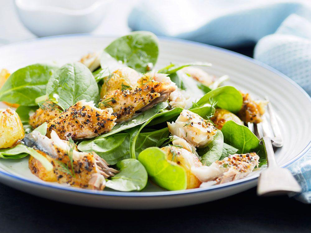 Manger du poisson est très bon pour le taux de cholestérol.