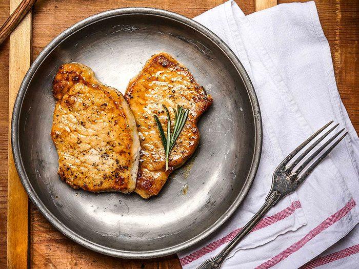 Les viandes grasses sont mauvaises pour le cholestérol.