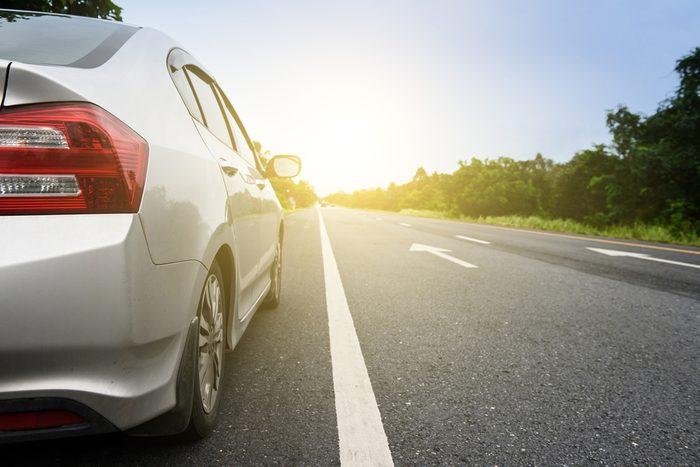 Roulez sur de courtes distances, le moteur de votre voiture ne chauffe pas assez pour éliminer la condensation.