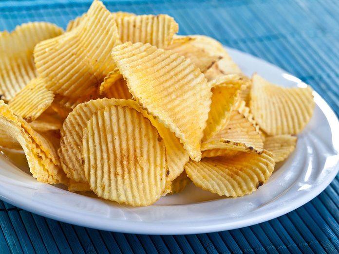 Manger trop de sel peut provoquer des ulcères d'estomac.