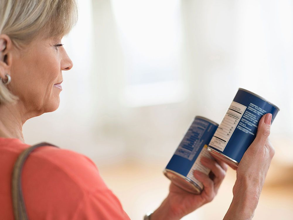 Manger trop de sel peut faire enfler certaines parties de votre corps.