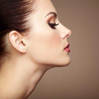 Maquillage: 9 trucs qui font paraître votre visage plus mince