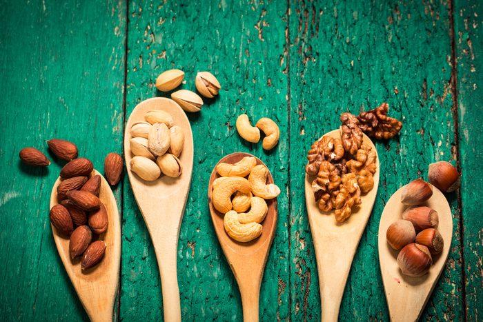 Les noix et autres fruits secs ont la faveur des nutritionnistes.