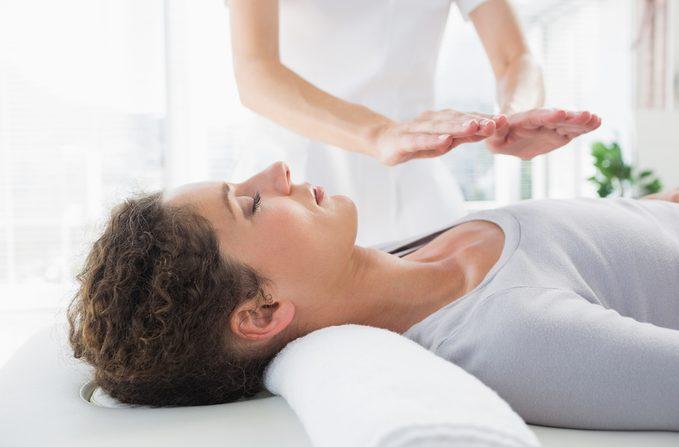 Le reiki permet d'harmoniser l'état d'un patient en recourant à l'énergie universelle.