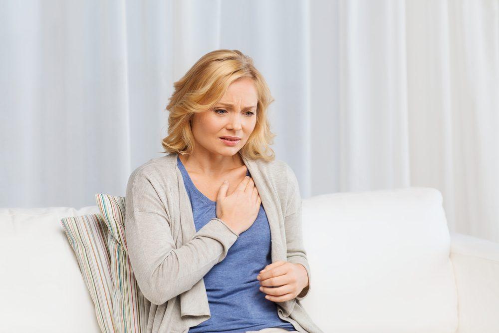 Un symptôme répandu du cancer chez la femme: Respiration sifflante ou souffle court