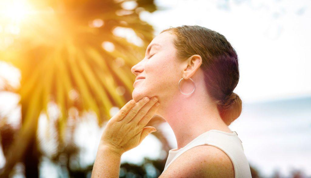 Des éruptions sur le visage peuvent indiquer une maladie intestinale.