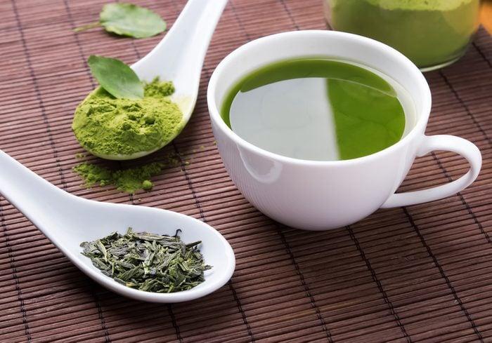 Aliments pour maigrir et favorisant la perte de poids: le thé vert.