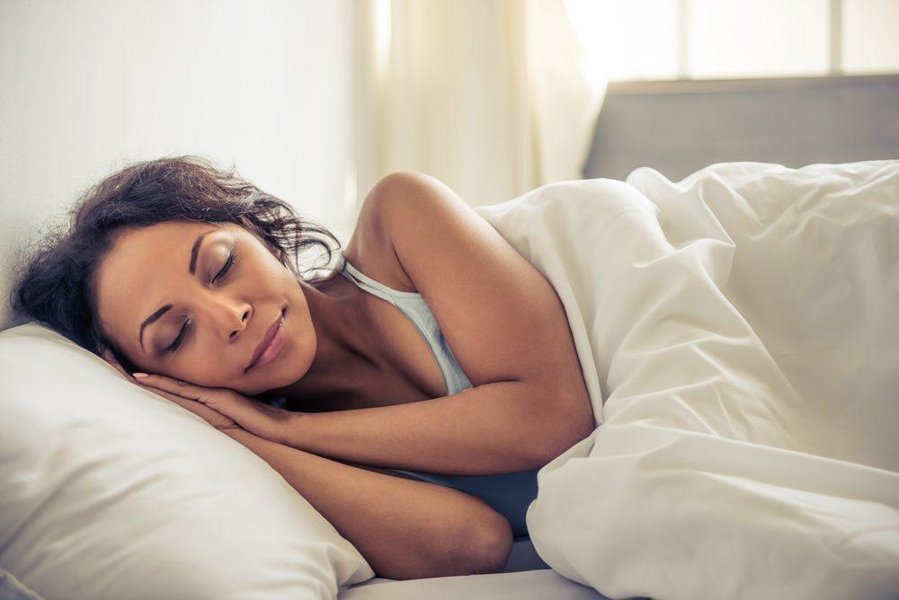 Secrets pour un ventre plat: dormir assez.