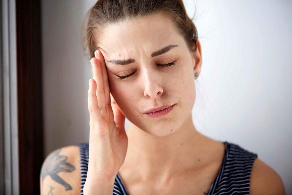 Arrêter de boire du café pourrait vous donner des maux de tête.