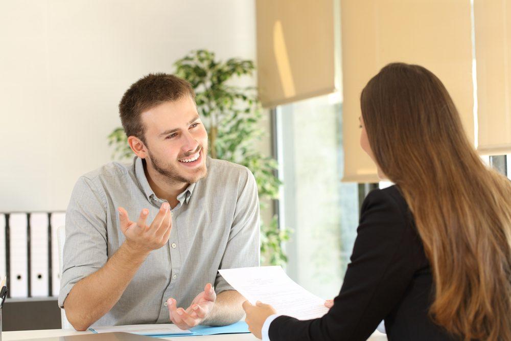 Dites souvent le mot excité lors d'une entrevue d'embauche.