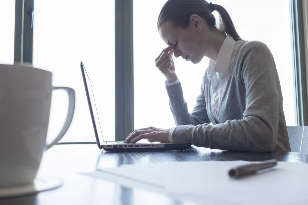 Avoir des problèmes de concentration peut être un symptômes du trouble bipolaire.